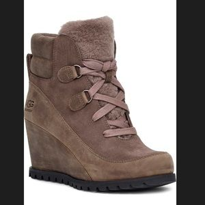 BNIB UGG Valory Waterproof Insulated Wedge Boot 7